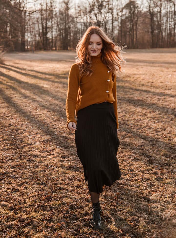 Tom Tailor suknja:  redovna cijena 479,99 hrk; -50% popusta
