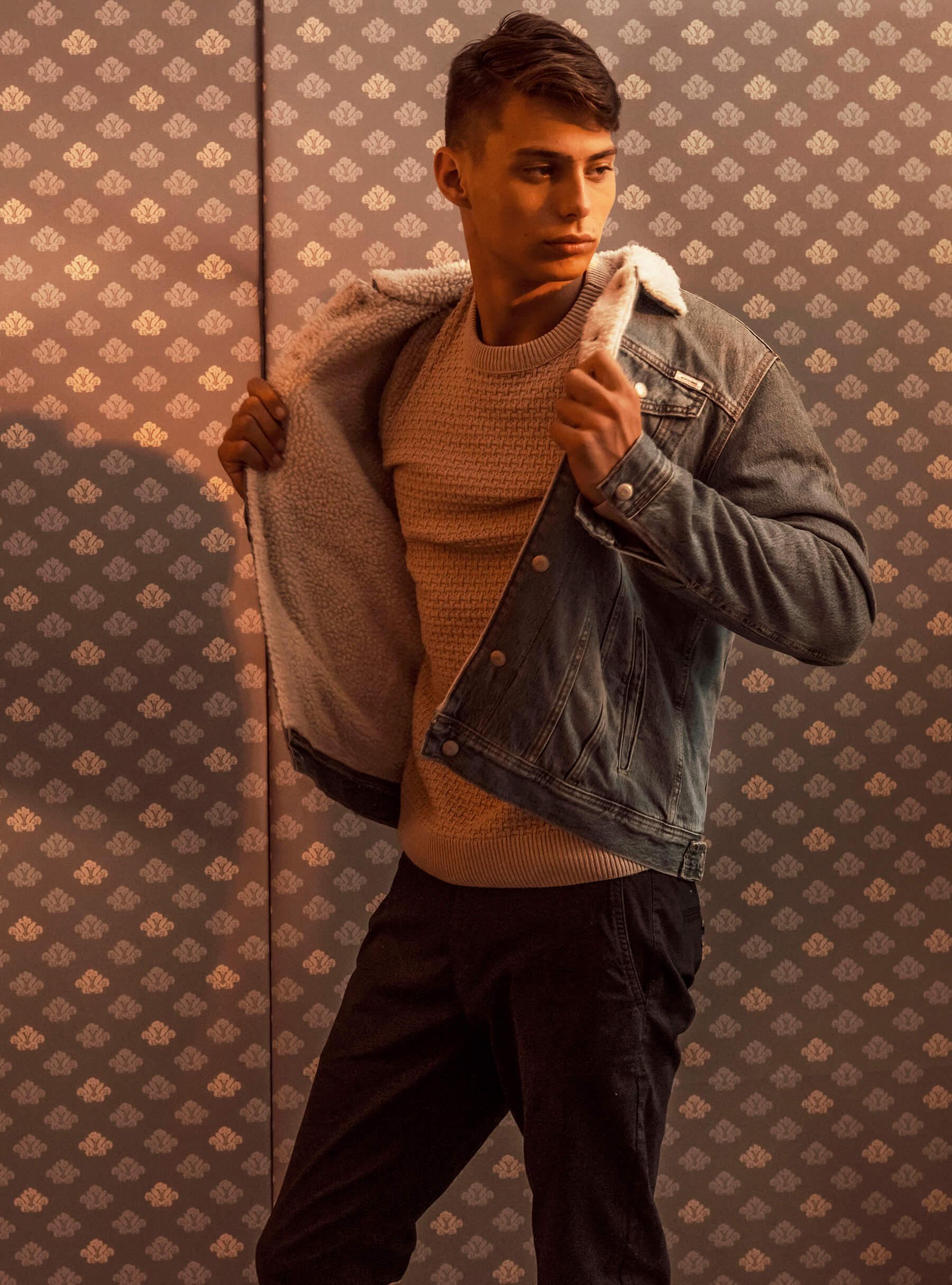 Jack&Jones pulover 319 hrk Marx hlače 319 hrk